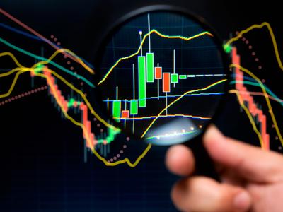 Cómo vender en corto una acción cuando se negocian mercados en caída